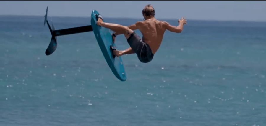 surf foil haciendo un 360